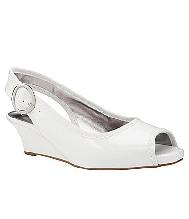 Jessica Simpson Girls Penn Wedges