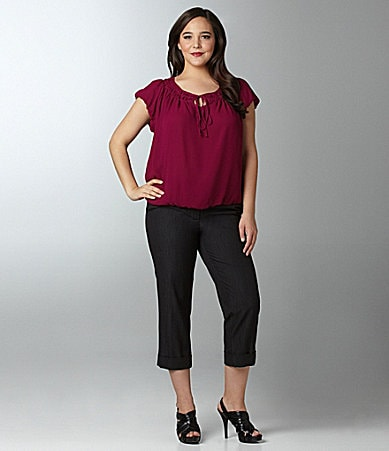 M.S.S.P. Woman Keyhole Scoopneck Blouse & Cuffed Skinny Cropped Pants