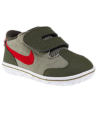 Nike Boys SMS Roadrunner 2 Athletic Shoes