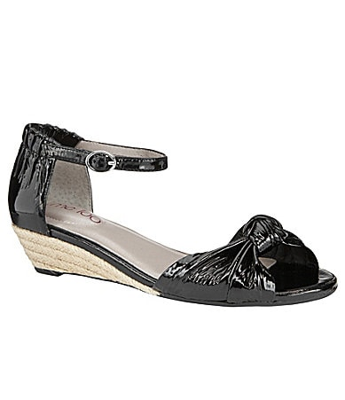 Me Too Sadie Wedge Sandals