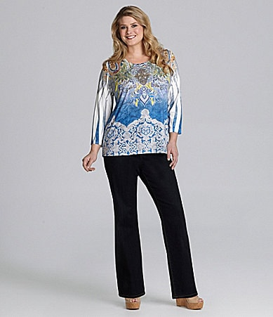 Reba Woman Sublimation-Print Knit Top & Stretch Denim Pants
