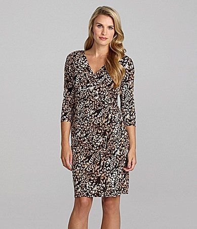 Jessica Howard Surplice V-Neck Feather Print Dress