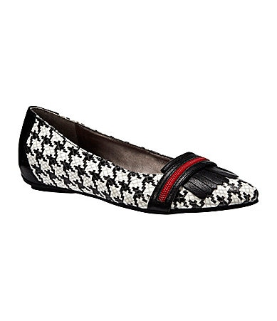 Kenneth Cole Reaction Lovely Girl Flats