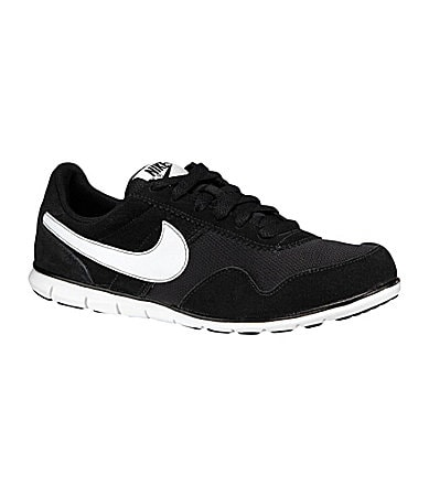 Nike Women�s Victoria Running Shoes