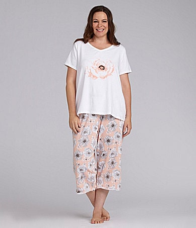 Sleep Sense Woman Rose Print Tee & Peach Rose Print Capris