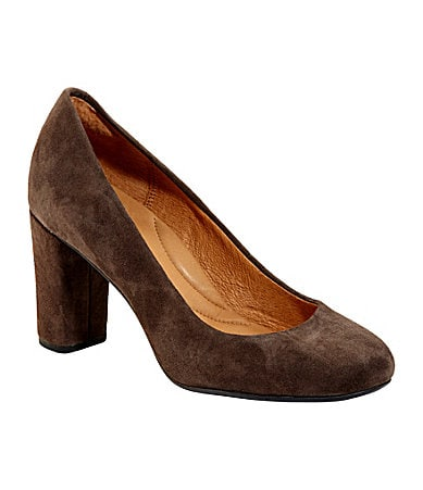 Clarks Loyal Soul Suede Pumps