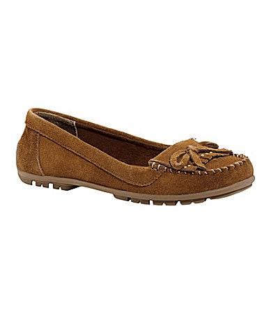 Kenneth Cole Reaction Girls Over Live Moccasins