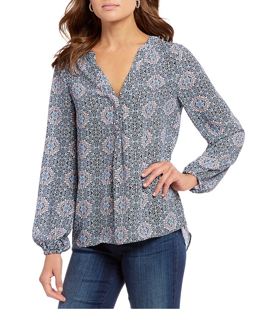 Chelsea & Theodore Medallion Print Split V-Neck Balloon Sleeve Top