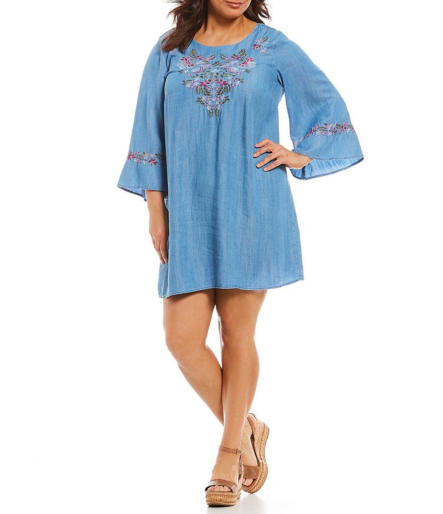 Chelsea & Theodore Plus Bell Sleeve Floral Embroidered Dress