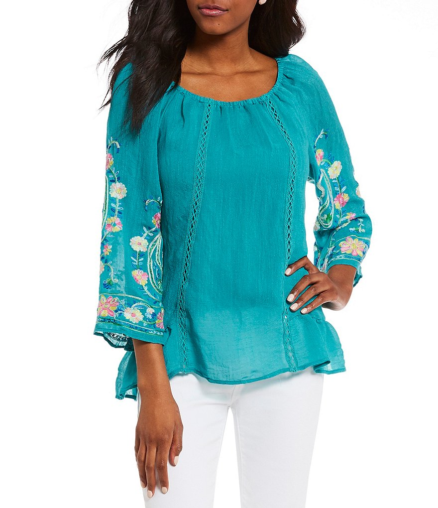 Figueroa & Flower Raquel Floral Embroidered Sleeve Top