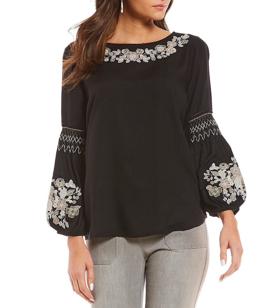 Intro Petites Bracelet Sleeve Floral Embroidered Peasant Top