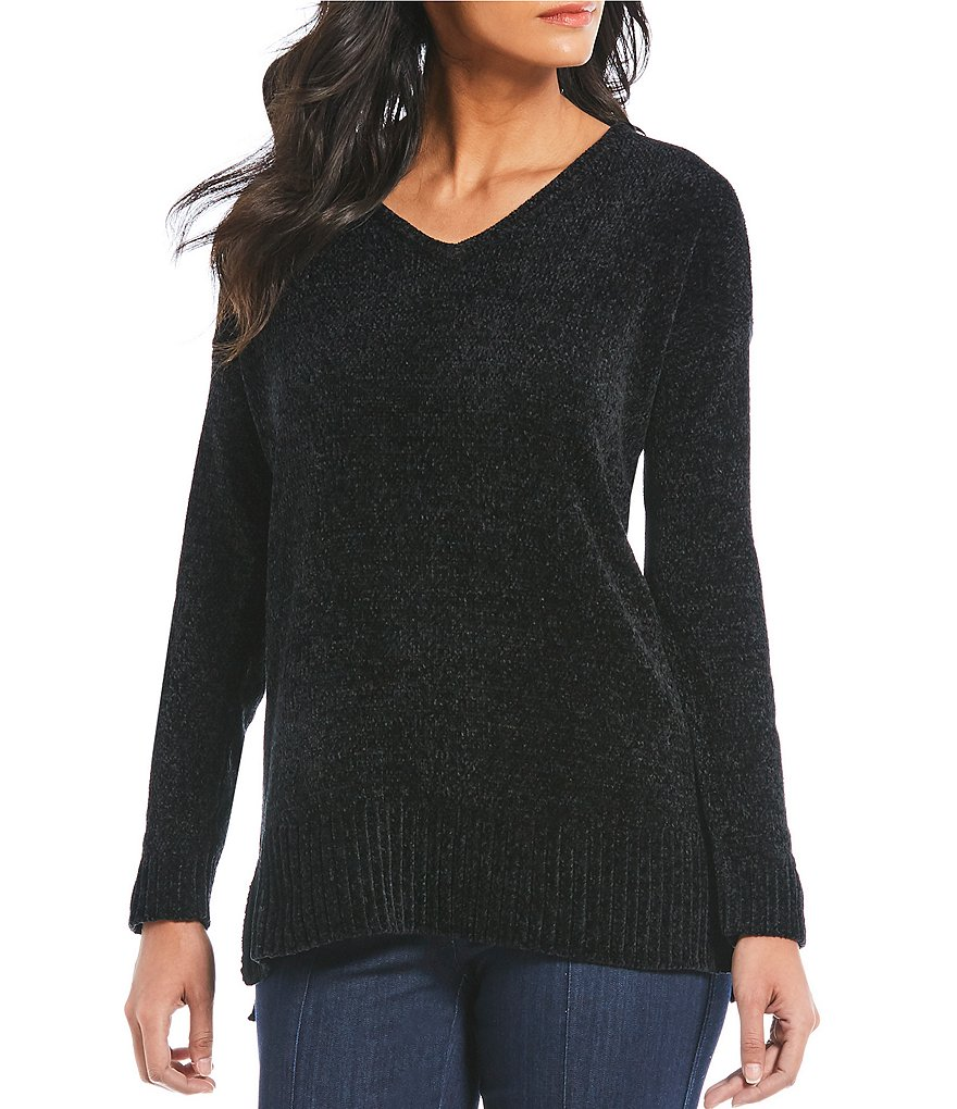 Intro Solid V-Neck Hi-Low Hem Chenille Sweater