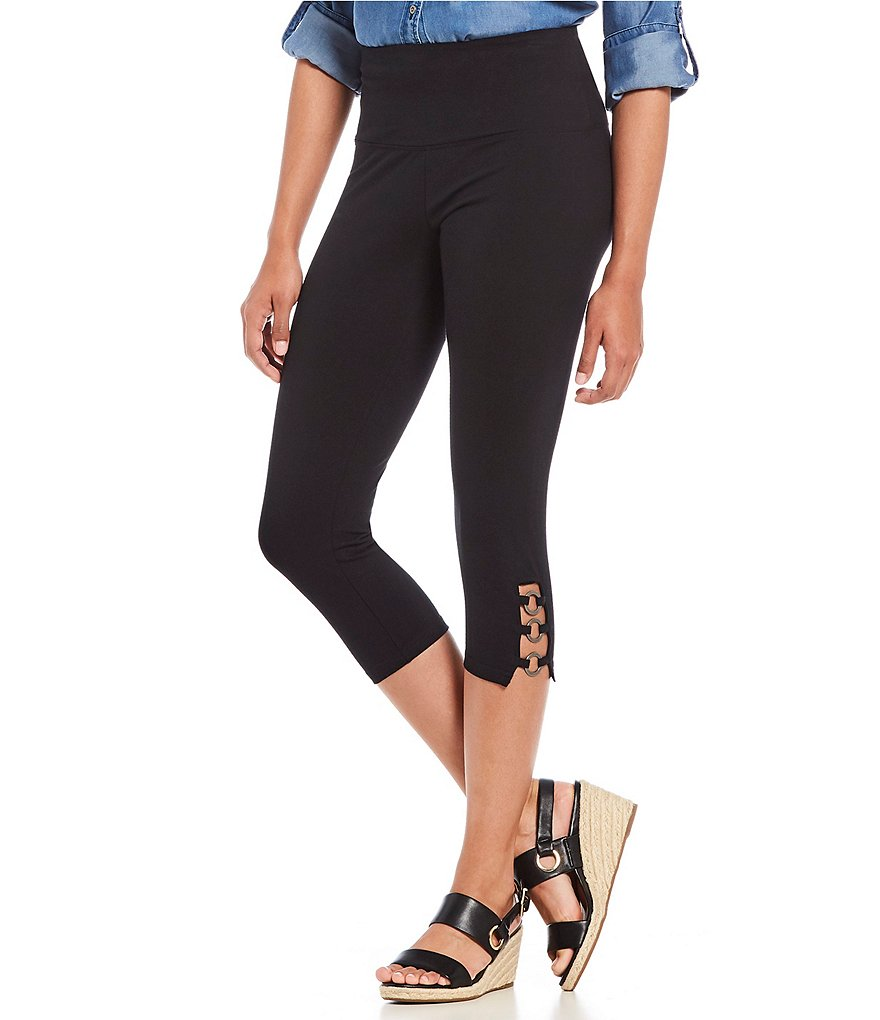 Intro Teri Grommet Detail Capri Leggings