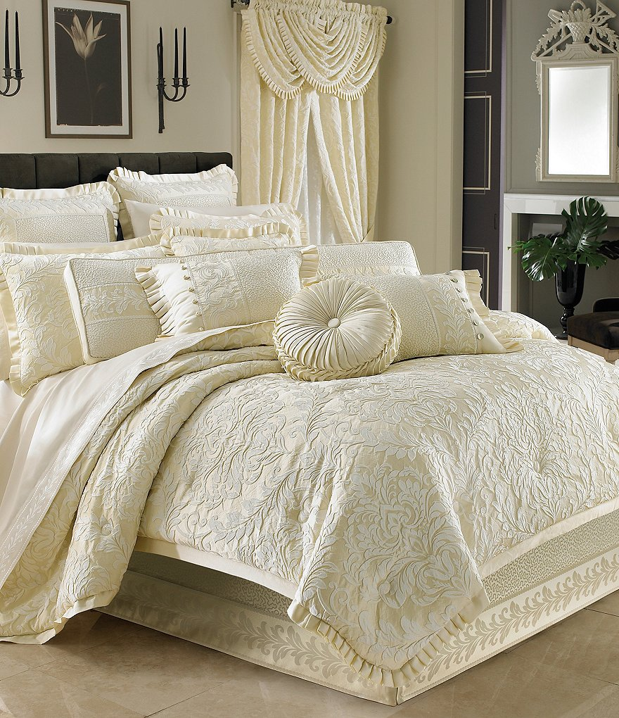 J Queen New York Marquis Damask Comforter Set
