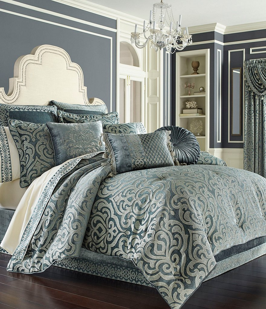 J Queen New York Sicily Puffed Damask Comforter Set