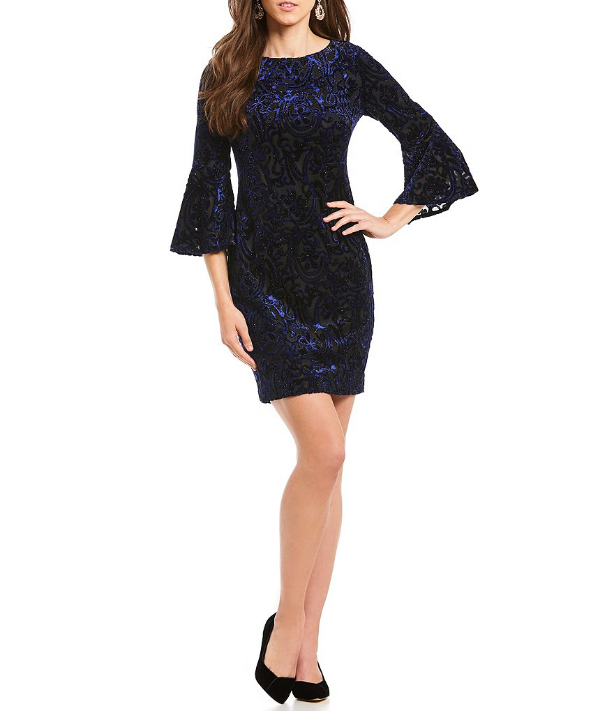 Jessica Howard Petite Bell-Sleeve Velvet Sheath Dress