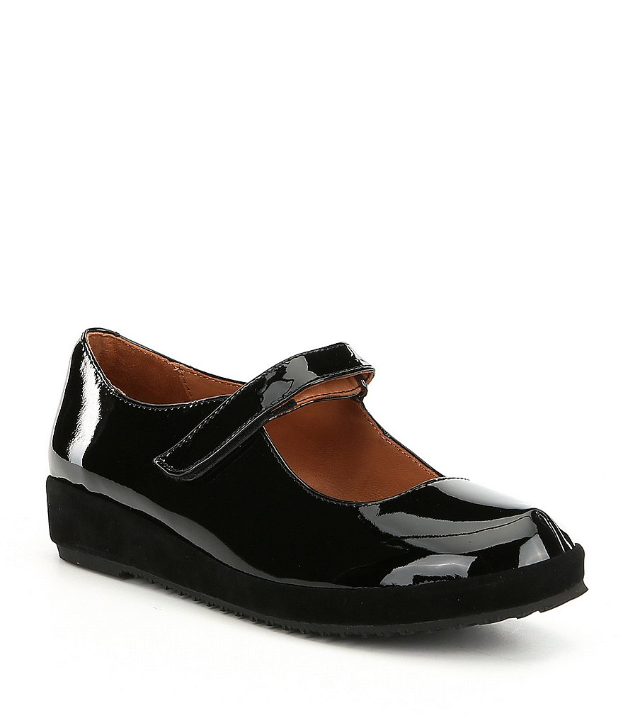 L'Amour Des Pieds Cornelie Patent Leather Casual Mary Janes