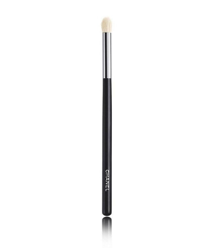 CHANEL GRAND PINCEAU PAUPIÈRES ROND LARGE TAPERED BLENDING BRUSH #19