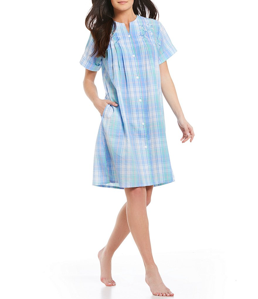 Miss Elaine Plaid Seersucker Grip-Front Short Robe