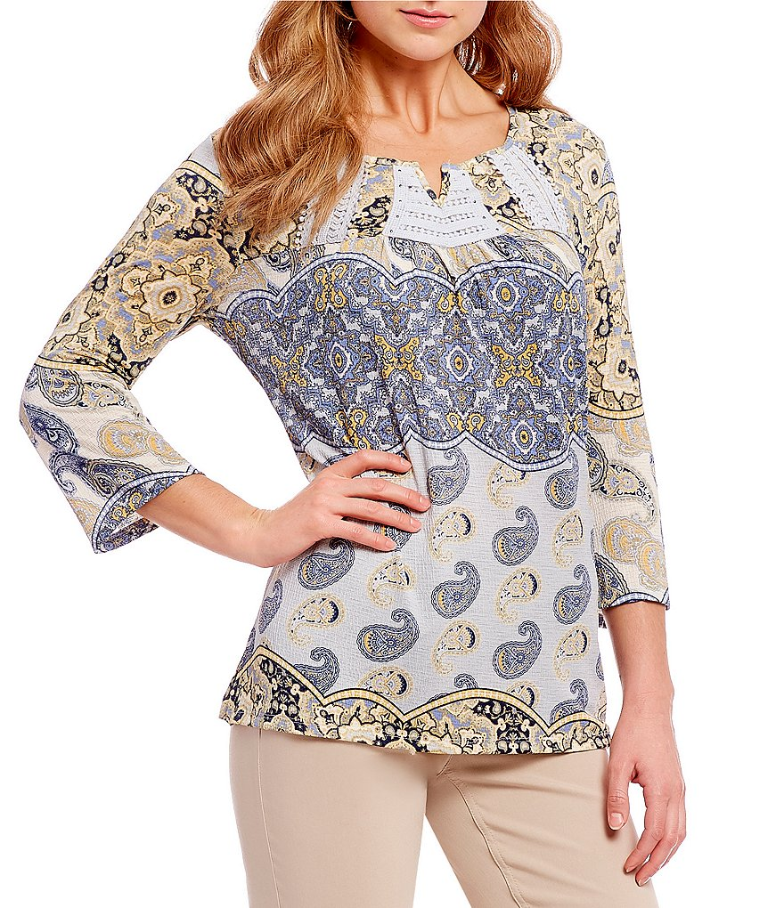Multiples Petites 3/4 Sleeve Notch V-Neck Printed Top