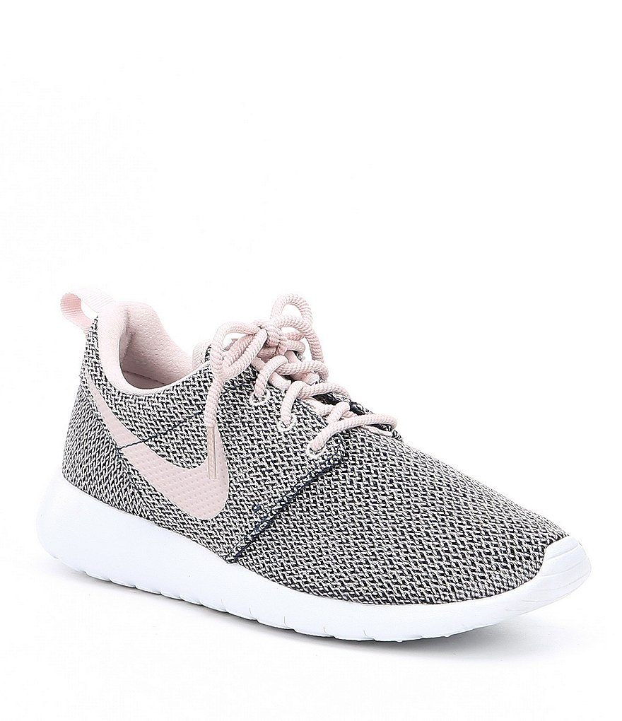 Nike Girls' Roshe One Running Shoes