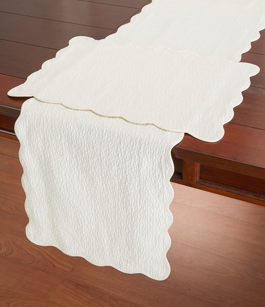 Noble Excellence Diamond-Quilted Matelassé Table Linens