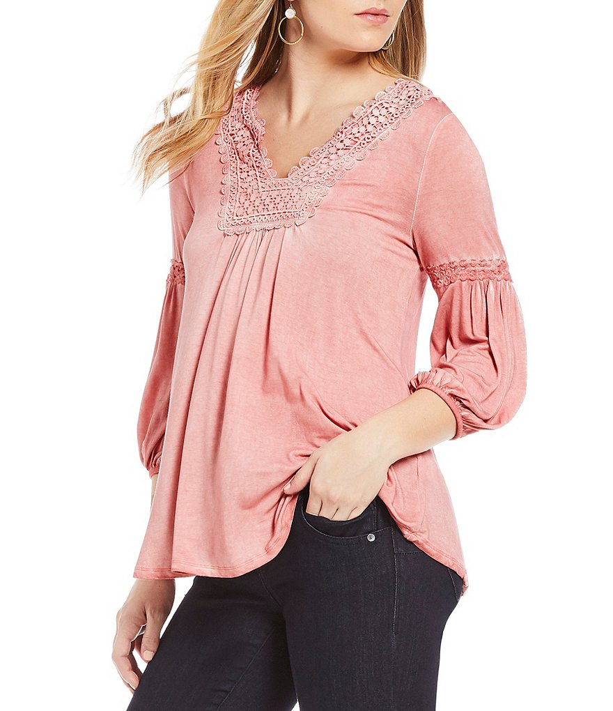 One World Apparel Notch V-Neck Lace Trim Oil Was Poet Top