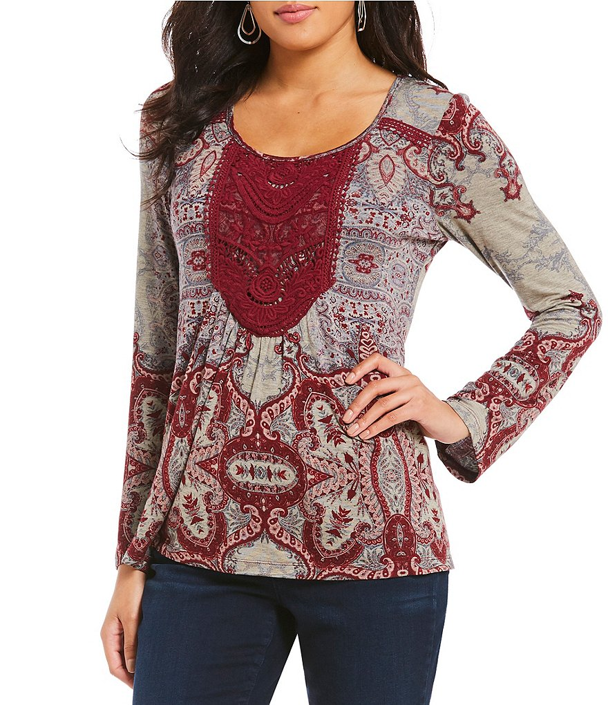One World Apparel Petites Long Flare Sleeve Lace Chest Applique Top