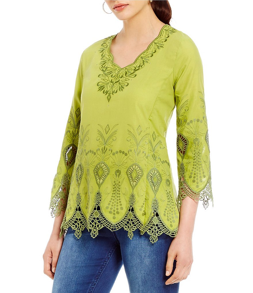 Reba Anna Scalloped V-Neck 3/4 Sleeve Embroidered Tunic