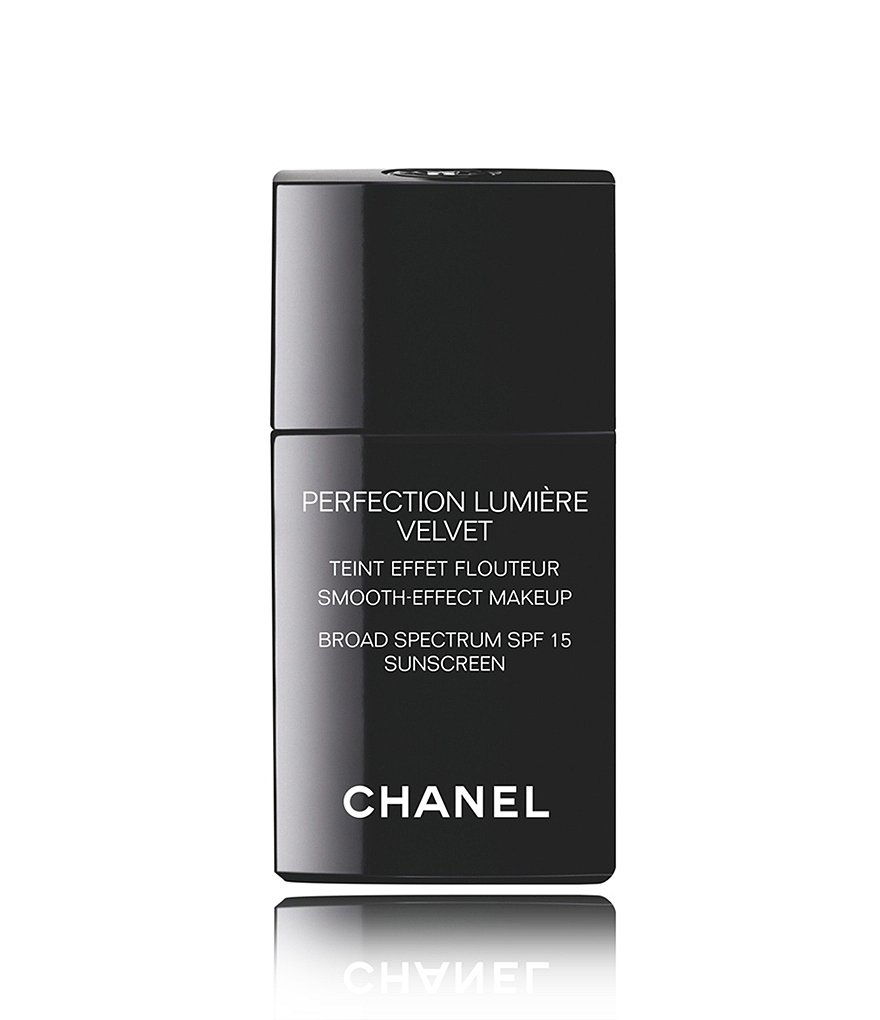 CHANEL PERFECTION LUMIÈRE VELVET SMOOTH-EFFECT MAKEUP BROAD SPECTRUM SPF 15 SUNSCREEN