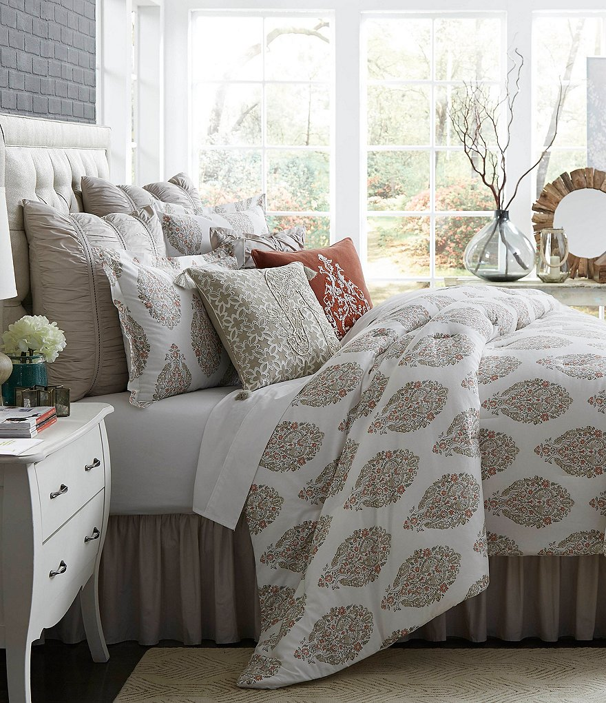 Studio D Vara Floral & Peacock Medallion Cotton & Linen Comforter Mini Set