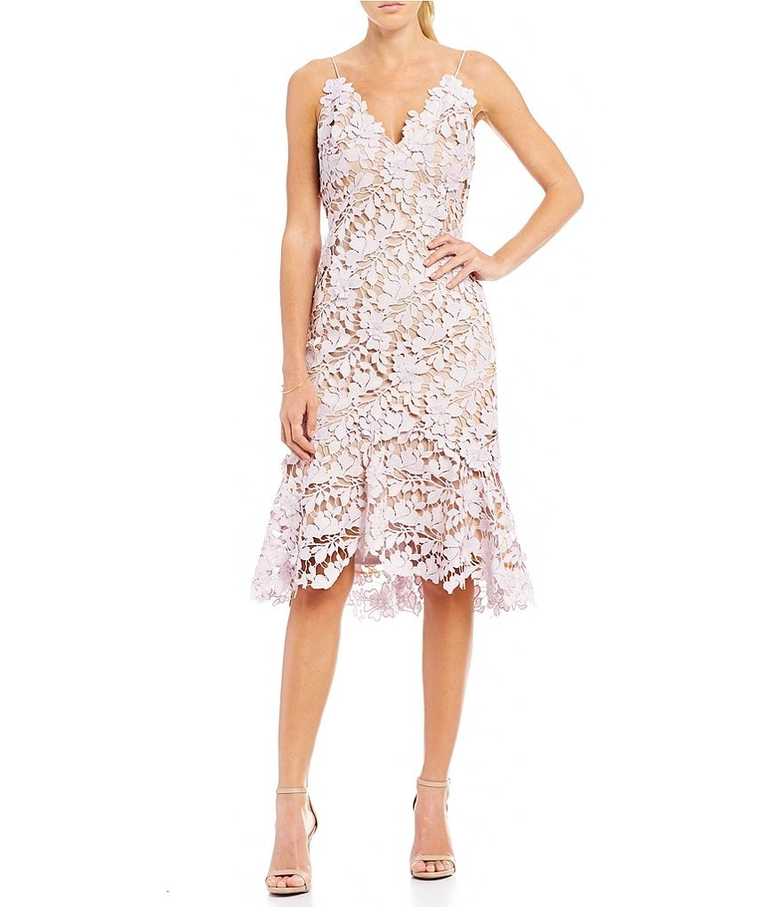 Vera Wang Sleeveless V-Neck Lace Sheath Dress
