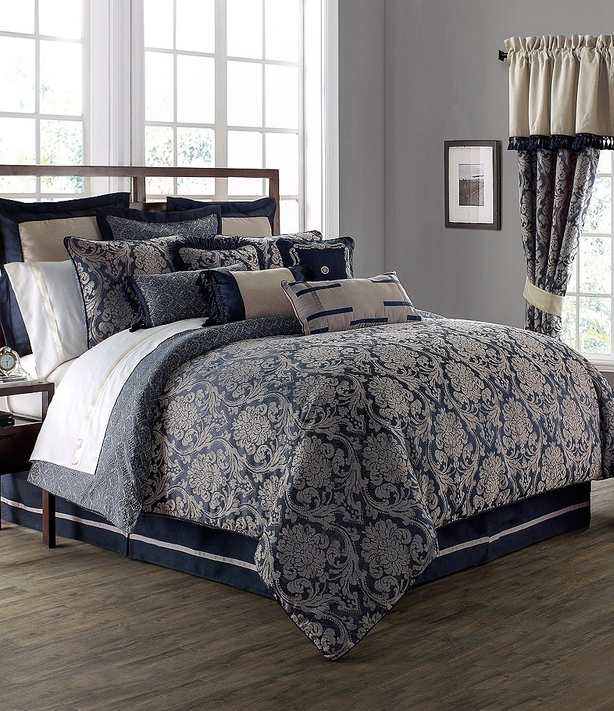 Waterford Sinclair Distressed Damask Comforter Set