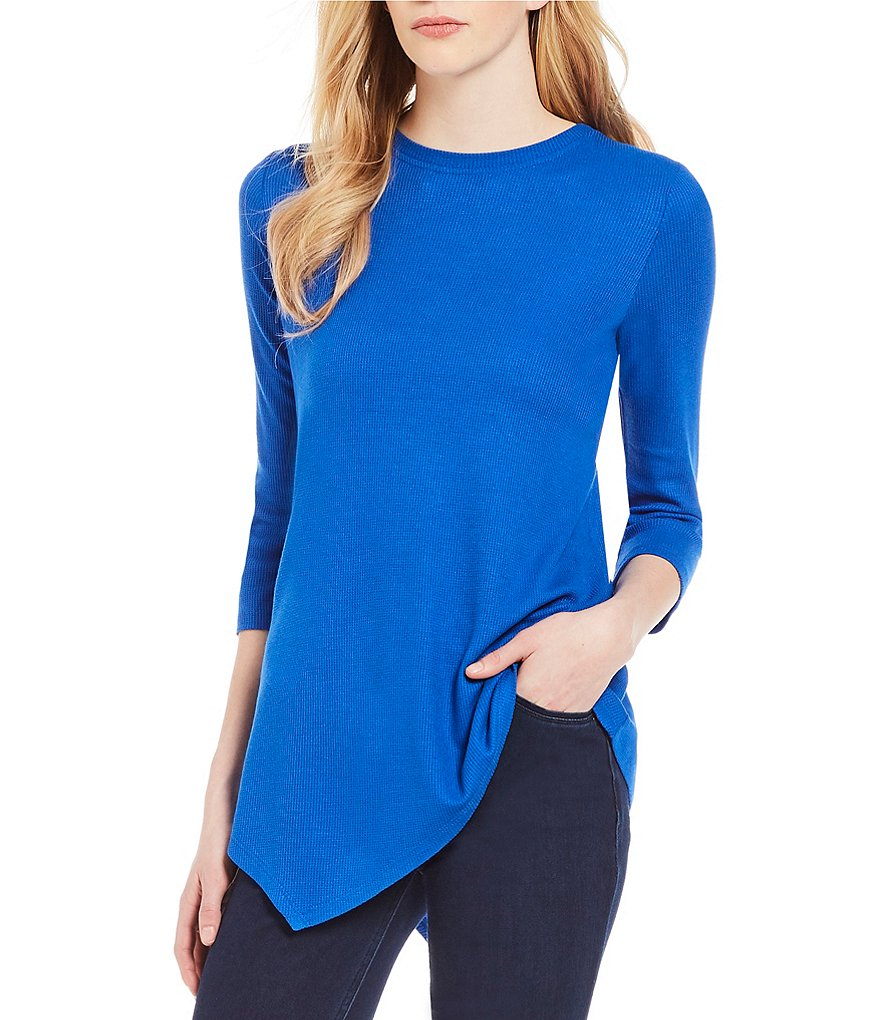Westbound 3/4 Sleeve Asymmetrical Hem Top