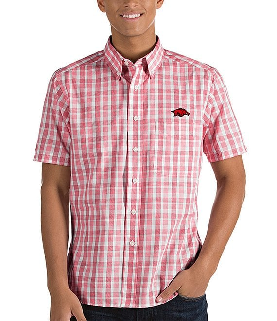 Color:Arkansas Razorbacks - Image 1 - NCAA Crew Short-Sleeve Woven Shirt