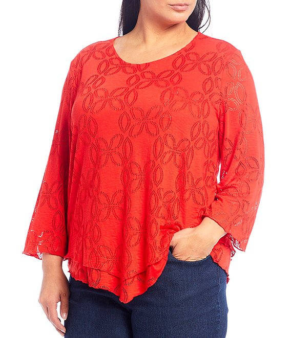Color:Red - Image 1 - Plus Size Textured Knit Scoop Neck 3/4 Sleeve Double Layer V-Shape Hem Top