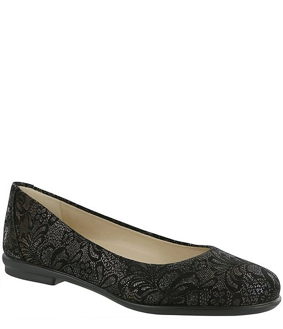 Color:Black Lace - Image 1 - Scenic Lace Print Leather Slip Ons