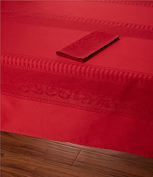 Southern Living Holiday Jacquard Table Linens