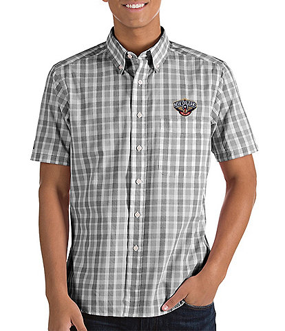Antigua NBA Crew Short-Sleeve Woven Shirt