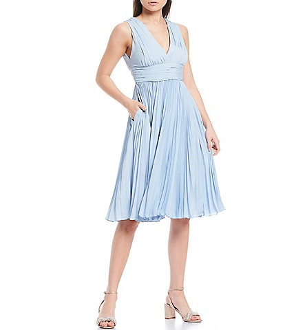 Badgley Mischka Sleeveless V-Neck Pleated A-Line Dress