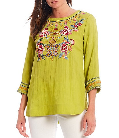 Calessa 3/4 Sleeve Jewel Neck Floral Embroidery Tunic