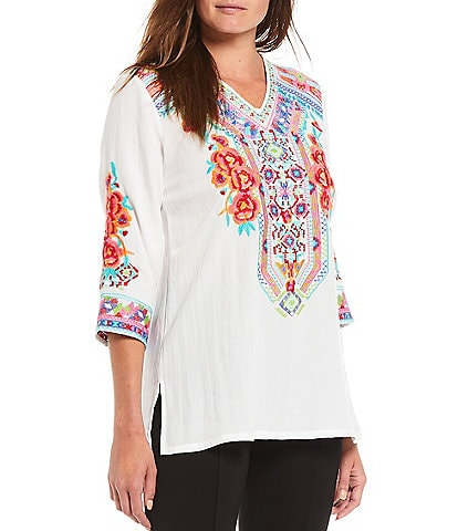 Calessa 3/4 Sleeve V-Neck Rose Embroidery Tunic