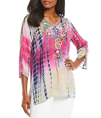 Calessa 3/4 Sleeve V-Neck Tie Dye Embroidery Top