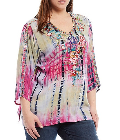 Calessa Plus Size 3/4 Sleeve Tie Dye V-Neck Embroidery Top