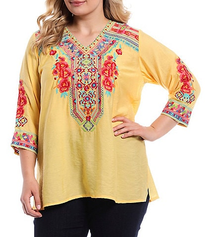 Calessa Plus Size Embroidered V-Neck 3/4 Sleeve Tunic