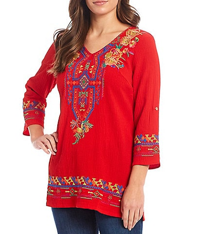 Calessa V-Neck 3/4 Sleeve Embroidered Crinkle Tunic