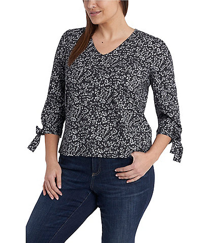 CeCe Plus Size V-Neck 3/4 Tie Sleeve Countryside Ditsy Knit Top