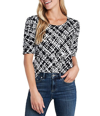 CeCe Scoop Neck Ruched Short Sleeve Plaid Knit Top