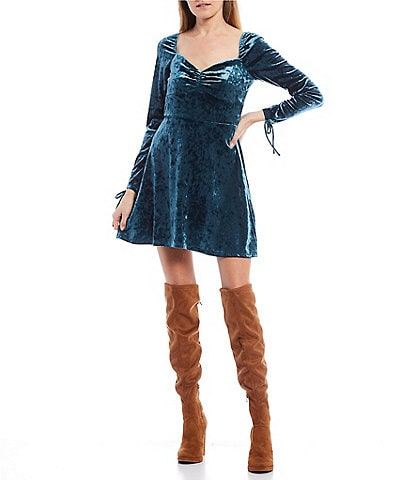 City Vibe Long-Sleeve Cuff Tie Detail Cinched Sweetheart Neck Crushed Velvet Dress