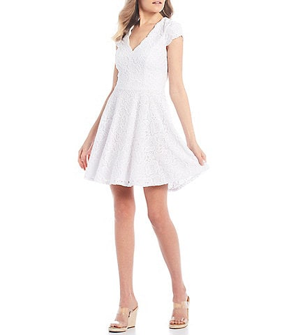 City Vibe Short-Sleeve Scalloped V-Neck Lace Fit-and-Flare Dress